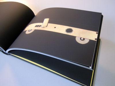 Foto: Buch Auto Cover